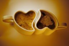 Tazas de café en forma de corazón Imágenes de archivo libres de regalías