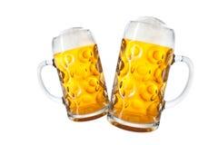 Tazas de cerveza Imagenes de archivo