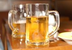 Tazas de cervezas Foto de archivo