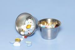 Tazas de la medicina Foto de archivo libre de regalías