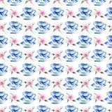 Tazas de té azules maravillosas blandas artísticas preciosas gráficas hermosas de China de la porcelana con la acuarela rosada pr Fotos de archivo