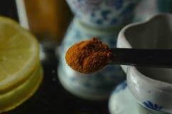 Tazas de té chinas de la porcelana del vintage del té de la cúrcuma Imágenes de archivo libres de regalías