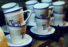 Tazas de té primer, suave-foco Fotos de archivo libres de regalías