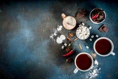 Tazas del chocolate caliente fotografía de archivo libre de regalías