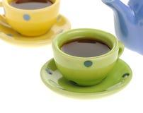 Tazas del color con café Fotografía de archivo libre de regalías