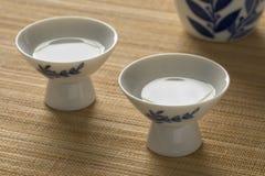 Tazas japonesas con motivo imagen de archivo
