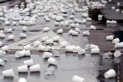 Tazas plásticas Fotos de archivo libres de regalías