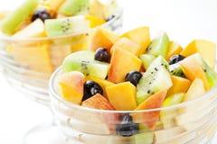 Tazones de fuente de ensalada de fruta Fotografía de archivo