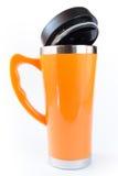 Tazza arancio di alluminio Fotografia Stock
