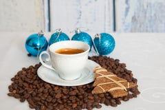 Tazza bianca di caffè caldo Fotografia Stock