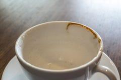 Tazza bianca vuota di caffè caldo Fotografie Stock