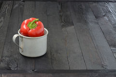 Tazza con peperone immagini stock
