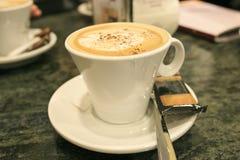 Tazza del cofee con latte Immagini Stock Libere da Diritti