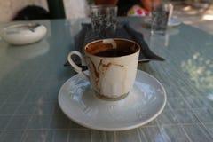 Tazza del cofee turco sulla tavola Fotografie Stock