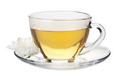 Tazza del fiore bianco verde e del tè isolato Immagine Stock Libera da Diritti