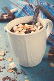 Tazza del latte al cioccolato Fotografie Stock Libere da Diritti