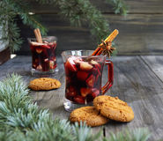 Tazza del vin brulé caldo di Natale Fotografia Stock