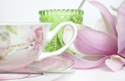 Tazza dell'insieme della tavola di tè Immagine Stock Libera da Diritti