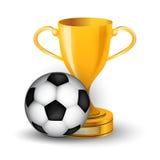 Tazza dell'oro con pallone da calcio Fotografia Stock Libera da Diritti