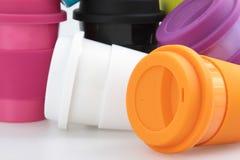 Tazza della plastica di colore Fotografie Stock