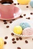 Tazza delle uova di Pasqua E di caffè del caffè espresso Fotografia Stock