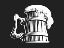Tazza di birra di legno - vector l'illustrazione su fondo scuro royalty illustrazione gratis