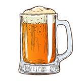 Tazza di birra su fondo bianco immagini stock