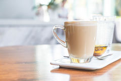 tazza di caffè calda del latte Immagine Stock