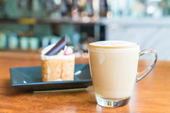 tazza di caffè calda del latte Fotografie Stock