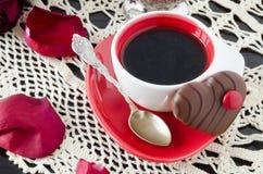 Tazza di caffè con i fiori Fotografia Stock Libera da Diritti