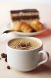Tazza di caffè con il dessert Fotografia Stock Libera da Diritti