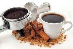 Tazza di caffè con portafilter ed il compressore Fotografie Stock