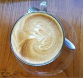 Tazza di caffè del cappuccino fotografia stock libera da diritti
