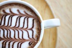 Tazza di caffè del cappuccino nella vista superiore Fotografia Stock Libera da Diritti