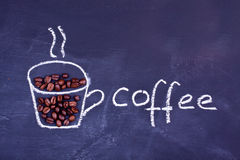 Tazza di caffè del disegno di gesso fotografia stock
