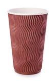 Tazza di caffè della carta di Brown o primo piano del tè isolato su fondo bianco Immagini Stock Libere da Diritti