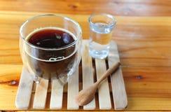 Tazza di caffè nero caldo Fotografia Stock