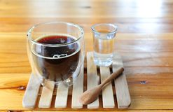 Tazza di caffè nero caldo Fotografia Stock Libera da Diritti