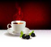 Tazza di caffè o tè e berryes Fotografia Stock