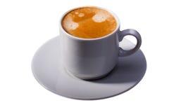 Tazza di caffè su priorità bassa bianca immagini stock libere da diritti
