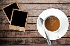 Tazza di caffè su struttura di legno. Immagini Stock