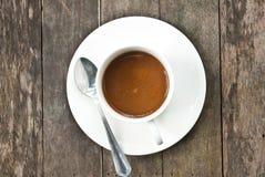 Tazza di caffè su struttura di legno. Fotografie Stock Libere da Diritti