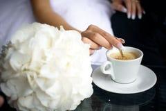 Tazza di caffè su una tabella nera Immagini Stock