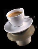 Tazza di caffè sul nero Immagini Stock Libere da Diritti