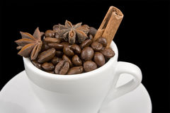 Tazza di caffè sul nero Fotografia Stock Libera da Diritti