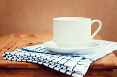 Tazza di caffè sulla tabella Fotografia Stock Libera da Diritti