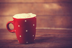 Tazza di caffè sulla tavola di legno. Immagine Stock Libera da Diritti