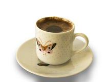 Tazza di caffè turco spumosa con il reticolo di farfalla Fotografia Stock Libera da Diritti