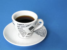 Tazza di Coffe sull'azzurro immagine stock libera da diritti