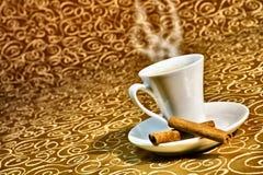 Tazza di cottura a vapore del caffè royalty illustrazione gratis